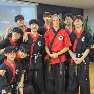 Instructor Michael from Australia visits Korea for the MTP course. 호주 검무예 사범 지도자 교육을 위해 한국 방문..